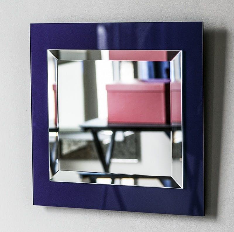 A blue purple Mirror